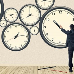 How-to-Make-Sure-Your-Employees-Are-Clocking-In-and-Out-